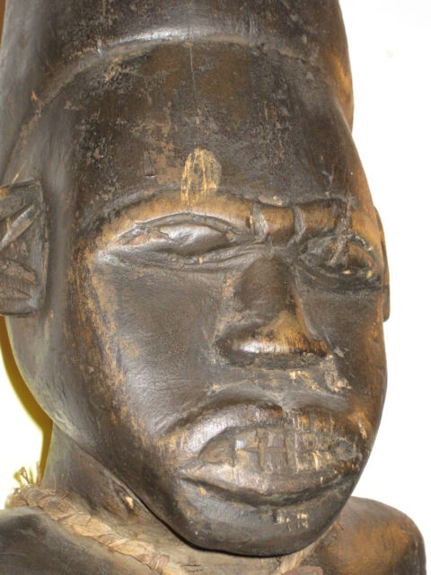 "28"" CARVED WOODEN TRIBAL AFRICAN WARRIOR FIGURE* ORNATE PRIMITIVE DISPLAY PIECE"