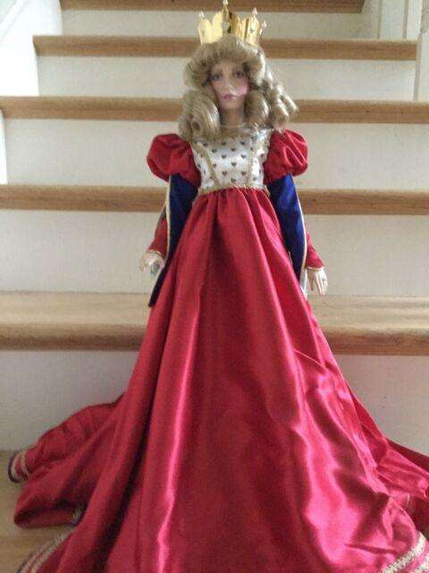 """Franklin Mint """"Queen of Hearts"""" Heirloom Porcelain Doll"""
