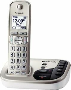 Panasonic-KX-TGD220N-DECT-6-0-Expandable-Digital-Cordless-Answering-System-used