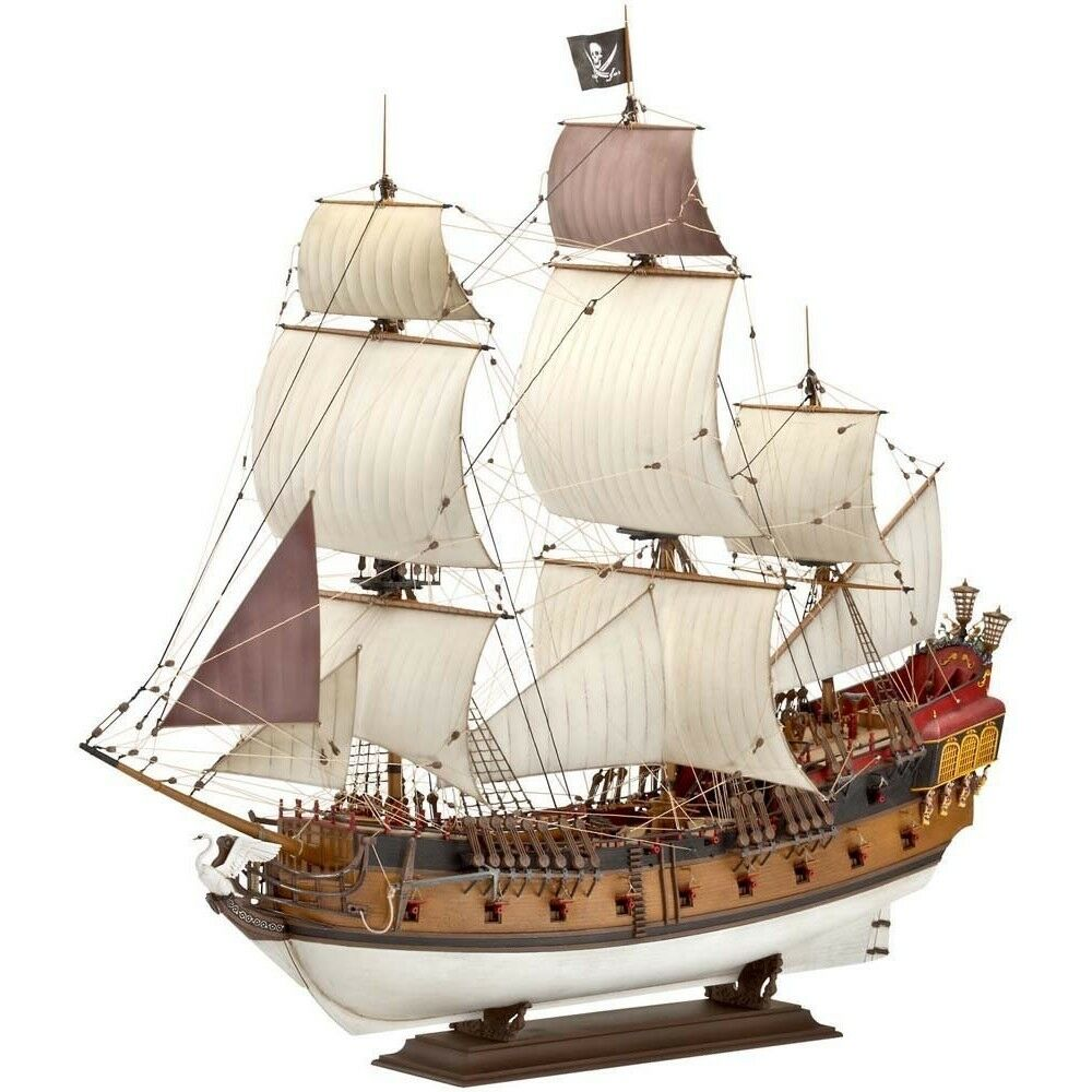 Pirate Ship (Revell) 1 72 Scale Level 5 Model Kit