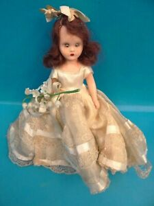 Vintage-Storybook-Dolls-Blinking-Small-Wedding-Dress-Red-Haired-Girl-Doll-Used