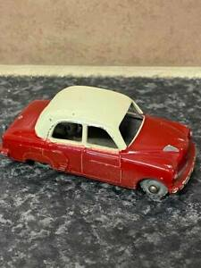 LESNEY-MATCHBOX-No-22A-VAUXHALL-CRESTA-RED-WITH-CREAM-ROOF-VGC-FOR-AGE