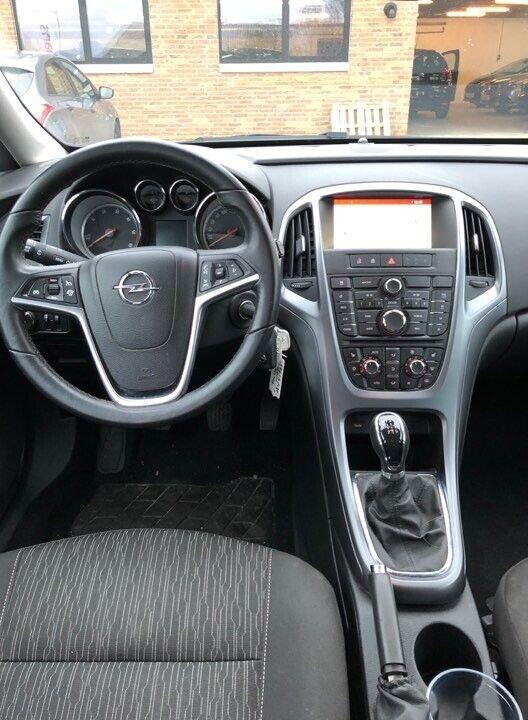 Opel Astra 1,6 CDTi 110 Sport ST eco Diesel modelår 2015 km