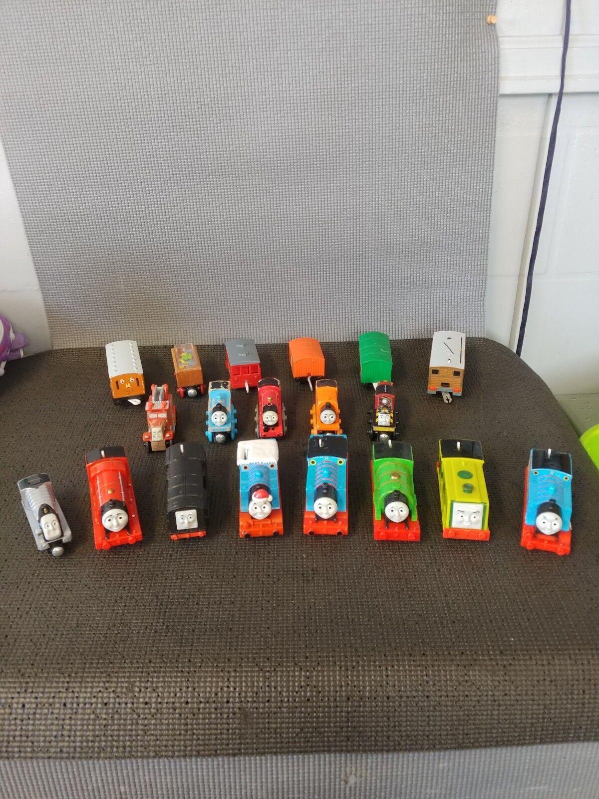 Thomas the Train Lot 19 pieces