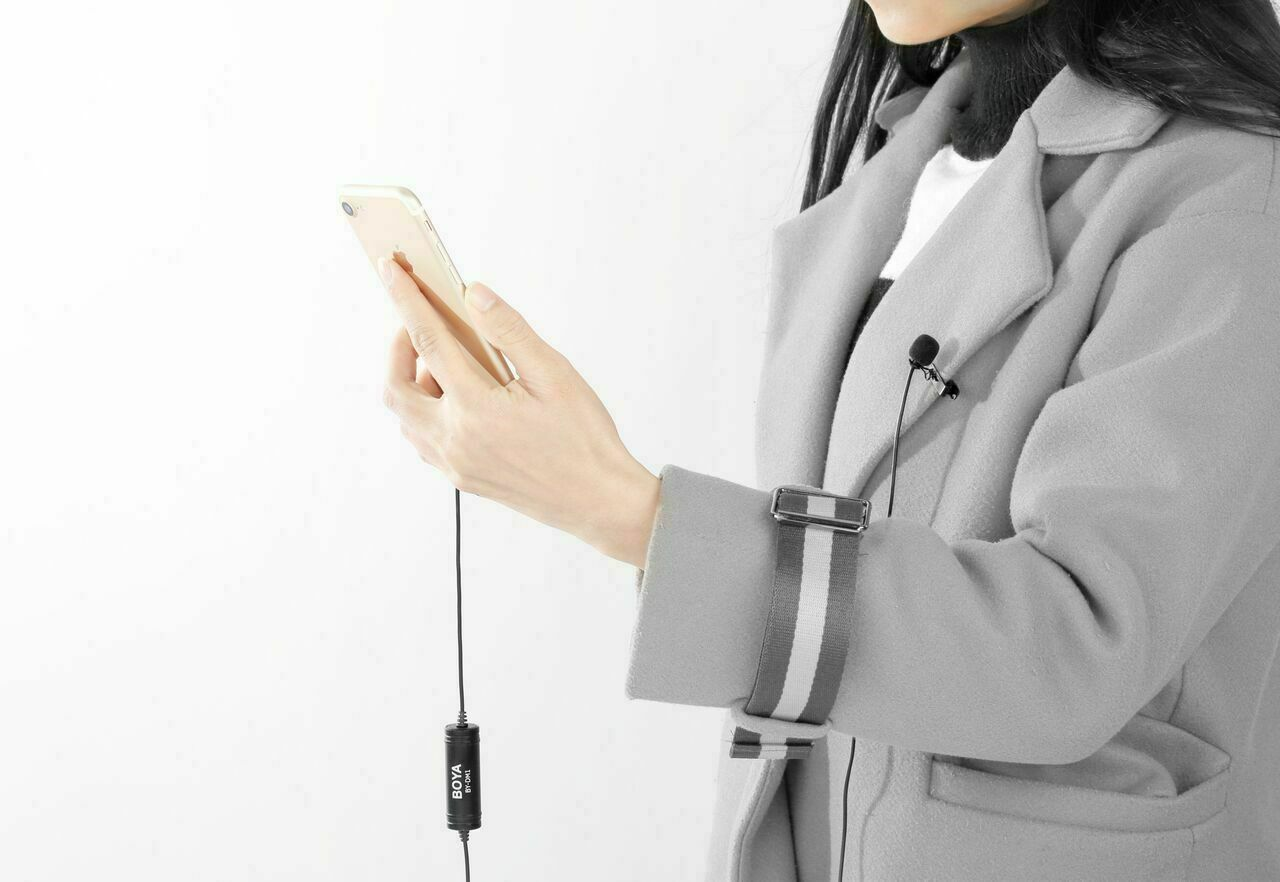 Podcast Conference Interview Speech Vlog BOYA DM1 Lavalier Microphone Lapel Clip-on Mic with Lightning Connector Compatible with iOS iPhone X 8 7 6 Plus iPad iPod Nano Touch Using for YouTube