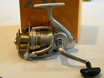 Daiwa Team Sweepfire 4000-2B 4000 Spinning fishing Reel NEW Model Bearings NIB
