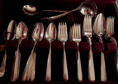 Berkeley Square Oneida Community silverplate set for 12 +xtra tspns & 6 serv pcs