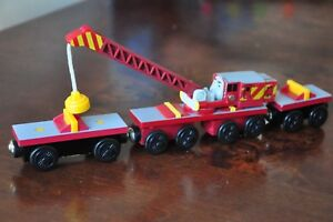 Details About Thomas Wooden Railway Engine Tractor Breakdown Crane Rocky 2 Carts Excel