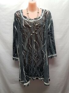 Alquema Grey White Crinkle Smart Casualparty Top Size 2