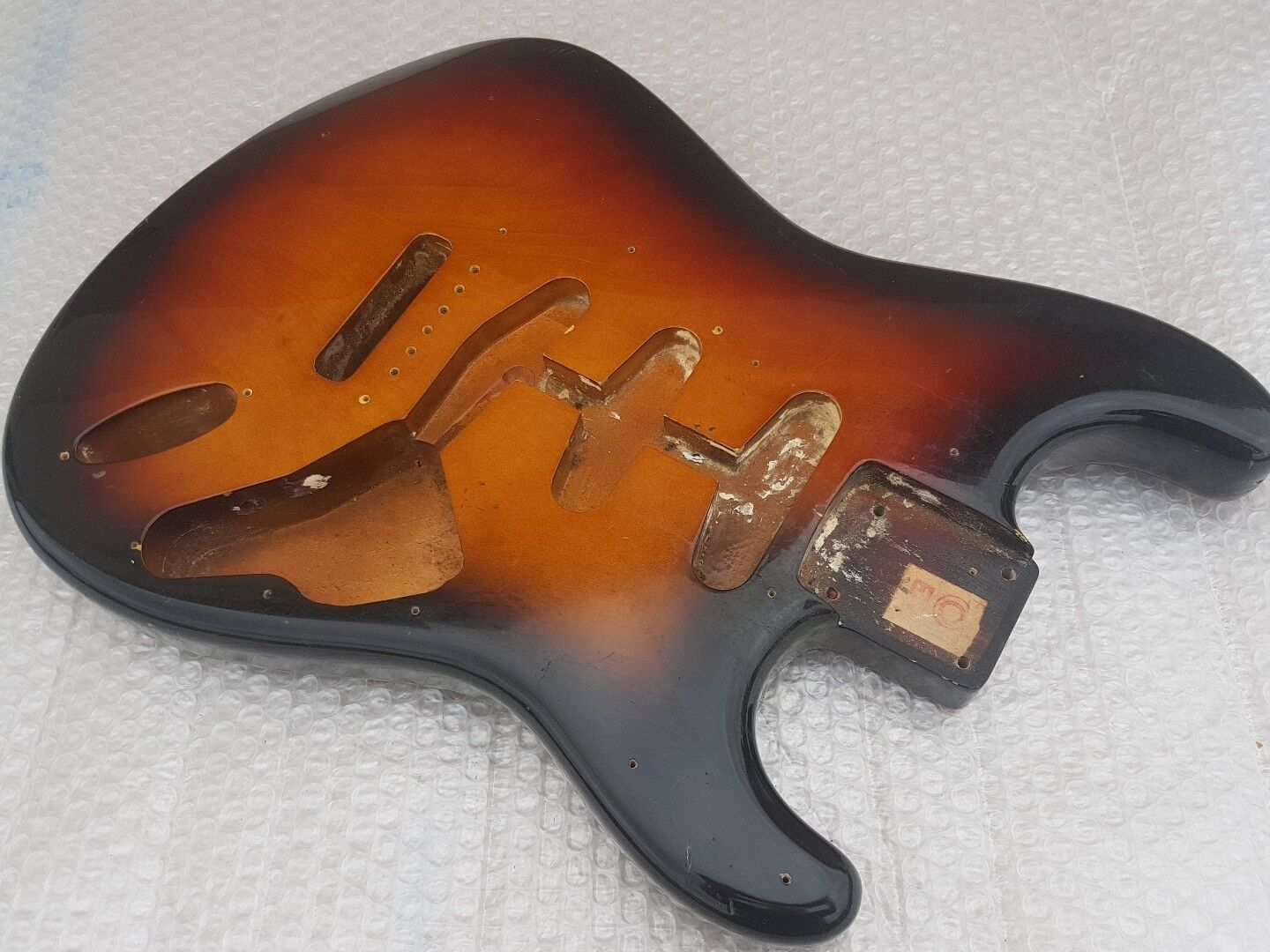 1982 SQUIER by FENDER STRATOCASTER JV  BODY '62 - made in JAPAN