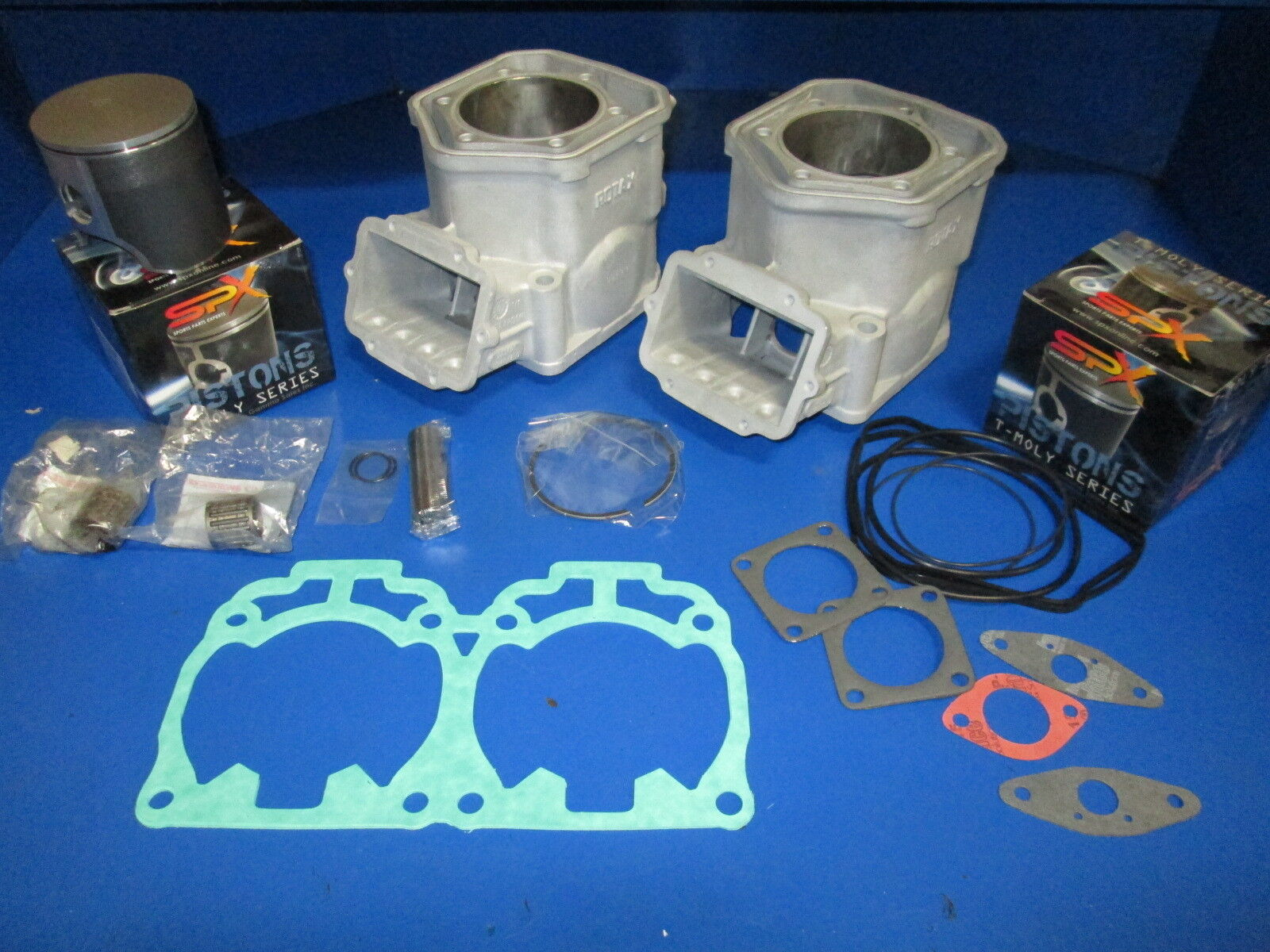 SKIDOO SUMMIT 700  MXZ TOURING CYLINDERS   PISTONS  GASKETS TOP END REBUILD KIT  hastened to see