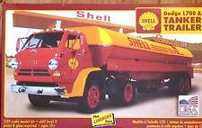 Lindberg 1:25 Dodge L700 Truck & Tanker Trailer Model Kit (Damaged Box)