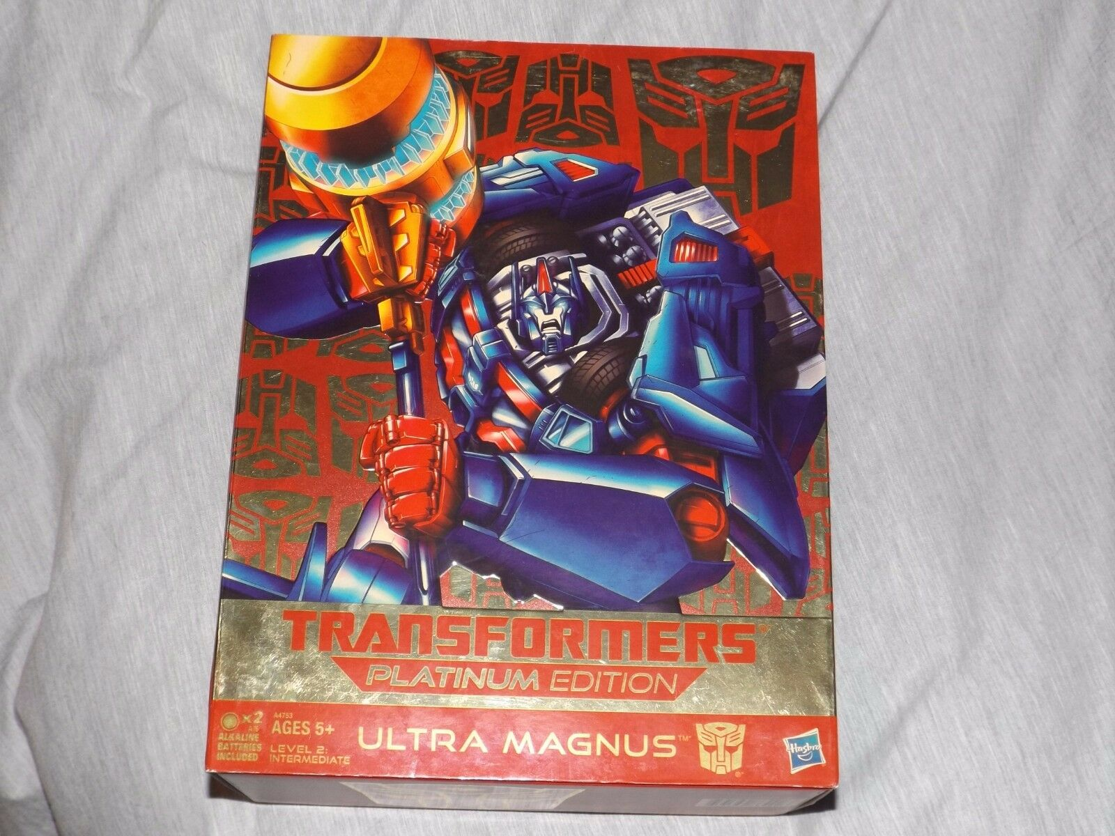 Hasbro Ultra Magnus Transformers Action Figure