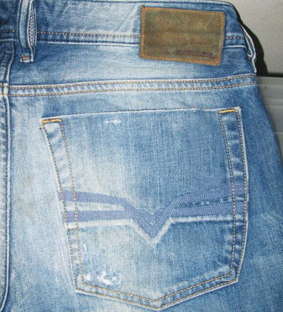 5cdd84ea745 *HOT! 100% AUTHENTIC Men's DIESEL @ ZATINY Art 74F Regular BOOTCUT Jeans 32