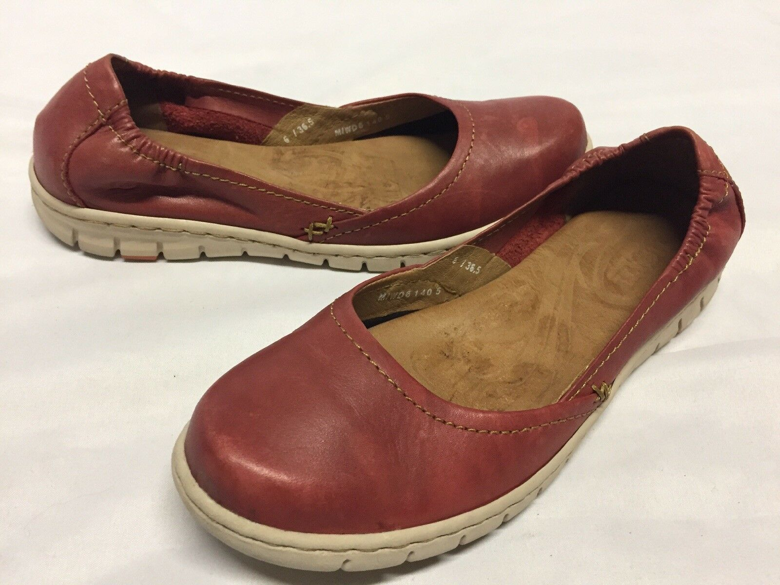 Born Women's USED shoes, Red Leather,Ballet flat Size 6, Eur 36.5