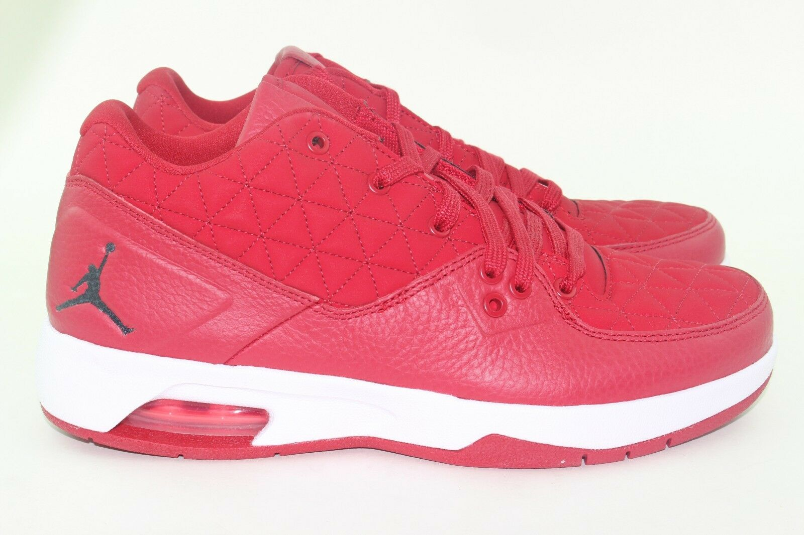JORDAN CLUTCH GYM RED MEN SIZE 8.0 NEW RARE COMFORT HEEL AIR-SOLE LEATHER UPPER