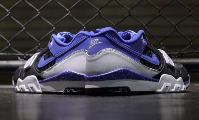 Nike air trainer 2 Premium QS DEADSTOCK REF 632193 001 Size 7(40)