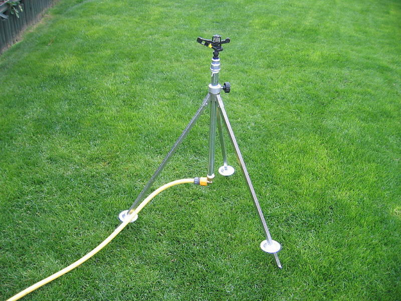 Sprinkler Tripod Complete with Impact Sprinkler 360° up to 19mts Diam.