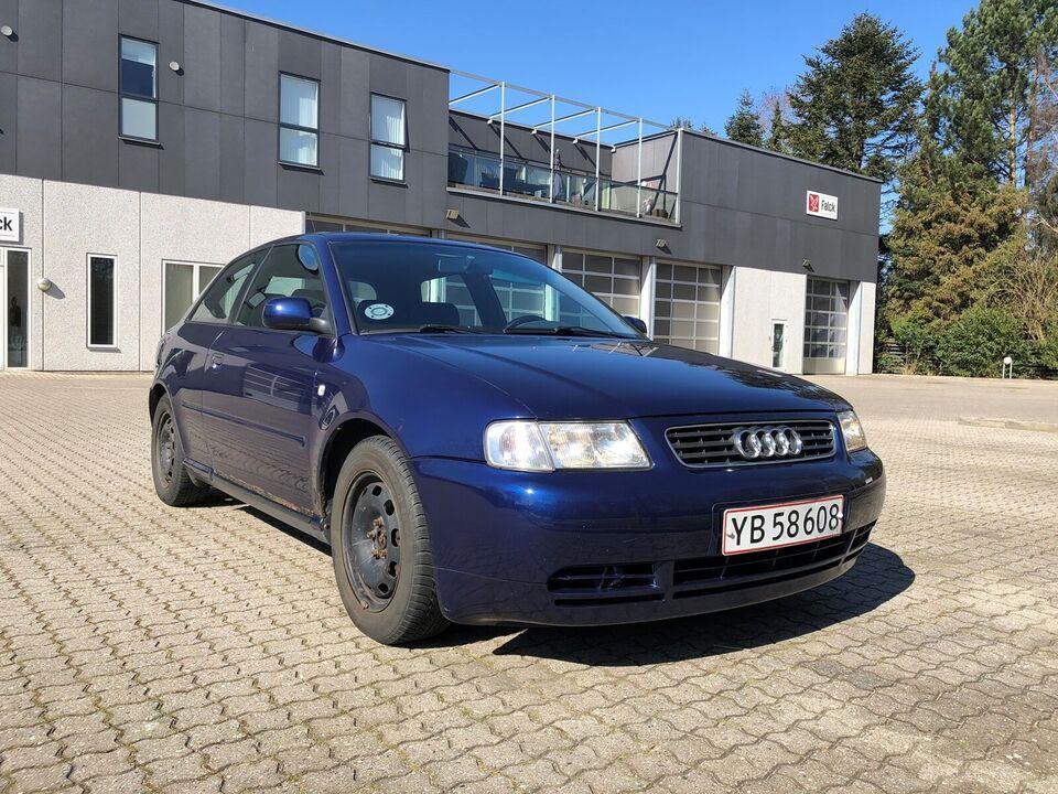 Audi A3, 1,8 T Ambiente, Benzin