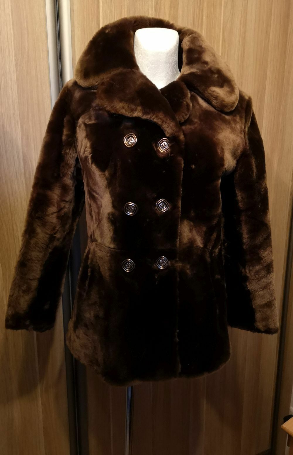 VINTAGE casa mondial natural mouton sheepskin Women's Coat  Size S 10  36