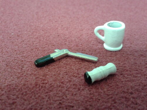 Dolls House Miniatures 1//12th Scale Bathroom Accessory Mug /& Shaving Set D504