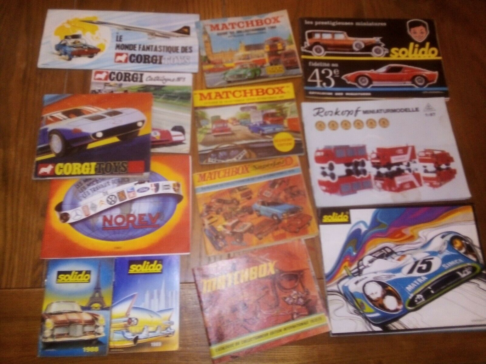 13 Catalogues Minatures Solido Corgi Norev Roskopf Matchscatola et superfast
