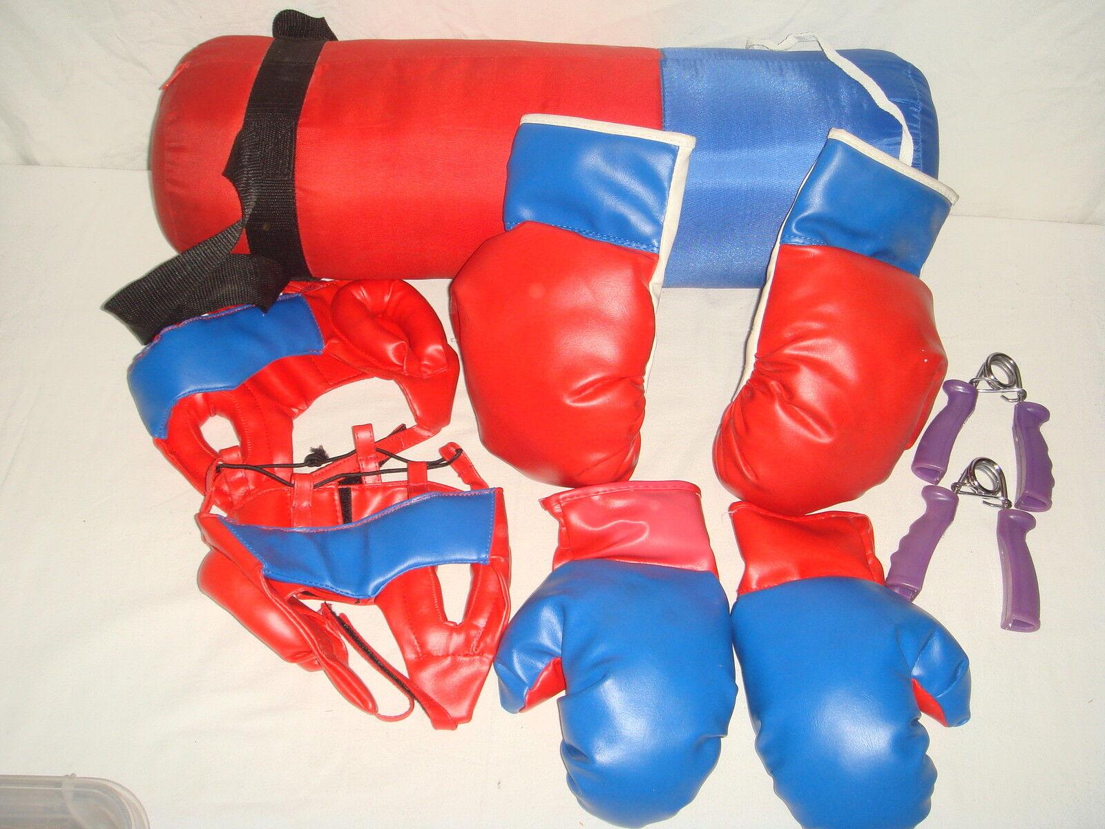 Lotto di boxe 2 coppie guanto-pugno - protettori per + testa + per estensori bambola c649d0