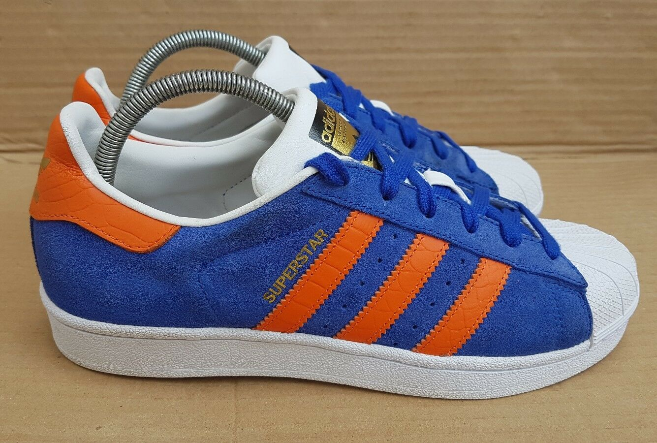 ADIDAS SUPERSTAR EAST RIVER RIVALRY Blau SUEDE AND ORANGE TRAINERS IN SIZE 6 UK