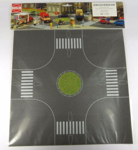 HO BUSCH 1101 ROAD ROUNDABOUT ASPHALT ROAD WITH STATIC GRASS CENTRE BNIB OO