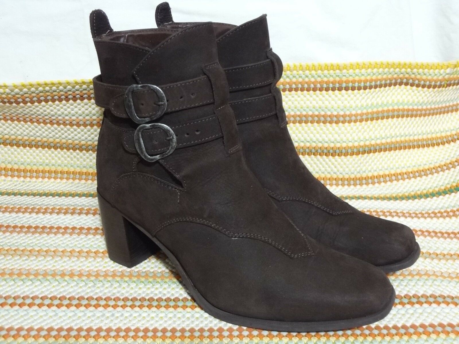 DINGO Damenschuhe ANKLE ANKLE ANKLE SUEDE Stiefel BUCKLE BROWN SIZE US 8.5 M EUC ba403f
