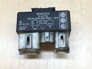 VOLVO V70 Mk2 2000-2007 Fusibile Relé Controllo Unità Nero Lama 9442190 un
