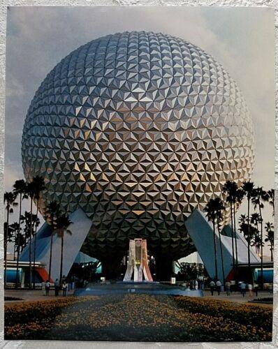 RARE NOV 1982 DISNEY WDW EPCOT CENTER SPACESHIP EARTH DAYTIME PUBLICITY PHOTO