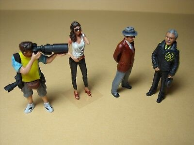 4  FIGURINES  1//43  SET  377  THE  SHOW  GIRL  VROOM  UNPAINTED  FOR  SPARK