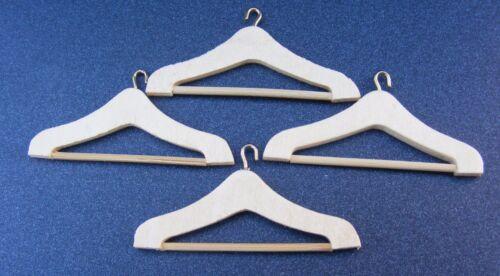 1:12 Scale Set Of 4 Wooden Coat Hangers Tumdee Dolls House Miniature Bedroom