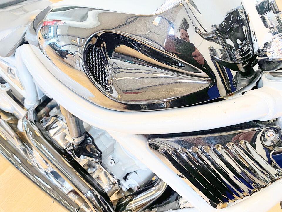 Harley Davidson V-Rod 100th anniversary edition