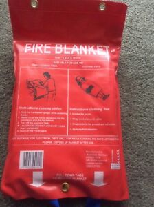 FIRE-BLANKET-1-8M-X-1-2M-ADULT-SIZE-KITCHEN-CAMPING-CARAVAN-BOAT