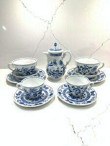 Blue-Onion-Scalloped-Rim-Hutschenreuther-Germany-Tea-Coffee-Set-Pot-Cups-Saucers