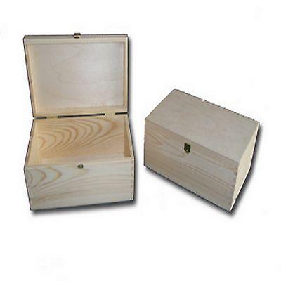 Untreated Pine Wood Jewellery Treasure Box Keepsake Souvenir Case with Clasp