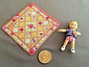 Fisher-Price-Dollhouse-Baby-Girl-and-Blanket-Loving-Family-2