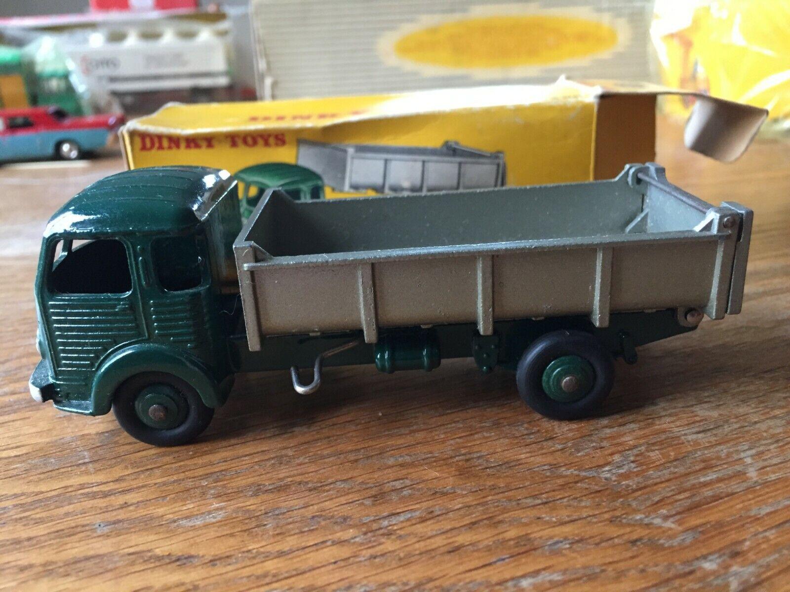 Dinky toys F n° 33 B camion Simca cargo benne basculante en boite