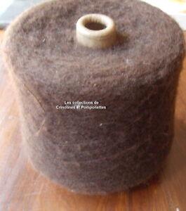 CONE-DE-FIL-A-TRICOTER-POLYESTER-ET-MOHAIR-marron-glace-0-890kg