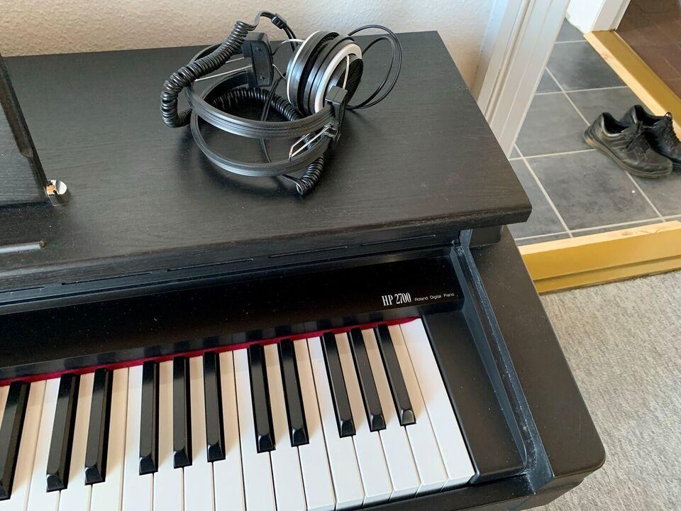 Digitalpiano, Roland HP 2700