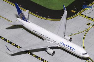 Gemini-Jets-1-400-United-Airlines-Boeing-767-300ER-N676UA-GJUAL1800-IN-STOCK