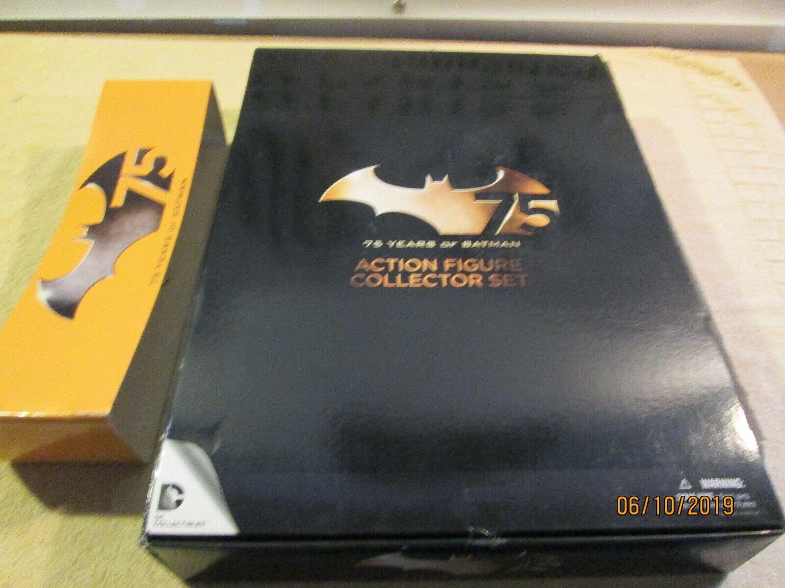 DC Comics Coleccionables De 75 Años de Aniversario Figura De Acción Batman Set 4 Pack