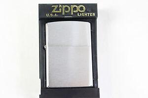 NEU - Original Zippo Sturm-Feuerzeu<wbr/>g - 200 Reg Brush Fin Chrome