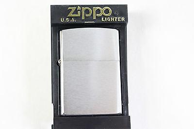 "Originale Zippo Tempesta Accendino - 200 Reg Brush Fin Chrome-nuovo/scatola Originale-g - 200 Reg Brush Fin Chrome"" Data-mtsrclang=""it-it"" Href=""#"" Onclick=""return False;"">"