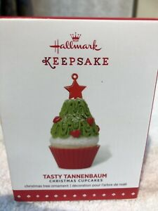 Hallmark 2015 Tasty Tannenbaum Christmas Cupcakes Series Ornament