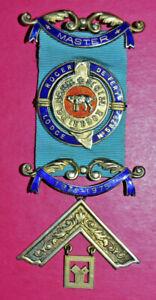 Masonic Past Master's Jewel Roger De Fery Lodge No 5879 Birmingham hallmark