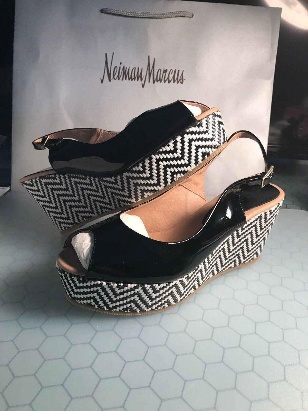 """Andre Assous """" Jaime2 """" Black Patent Leather Wedge Espadrille Sandal shoes Sz 10"""