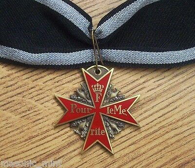 REPLICA POUR LE MERITE MEDAL / BLUE MAX ( RED VERSION ) - GERMAN PRUSSIA / WW1